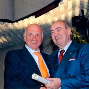 """In data 8 aprile 2009 la Splendorini Molini riceve dal Dott. Moretti il diploma di """"Premiazione del Lavoro e dell'Impresa"""""""